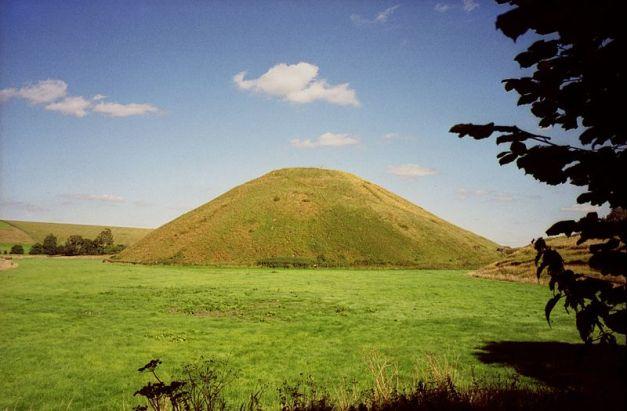 Estructura de colina artificial de Silbury Hill, cerca de Stonehenge
