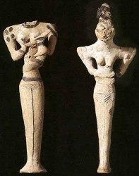Figuras antropomorfas femeninas de mediados del V milenio a.C.