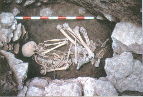 Enterramiento en el interior del yacimiento de la Motilla del Azuer