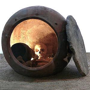 Enterramiento en pithos contextualizado en una fase ya avanzada de la cultura argárica