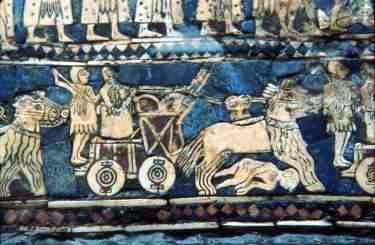 Esta imagen de la cuña anteriormente expuesta demuestra la existencia de la rueda de ratio y el carro de combate tirado por caballo