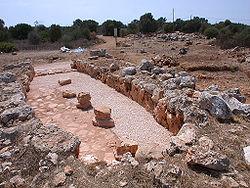 Yacimiento de una habitación naviforme contextualizado en la cultura pretalayótica de Mallorca