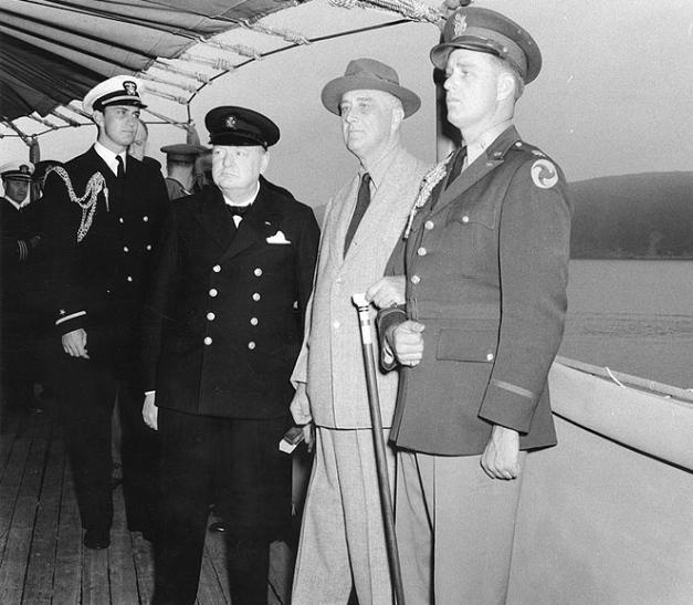 Histórica foto en la que se puede ver a Winston Churchill y a Franklin D Roosevelt