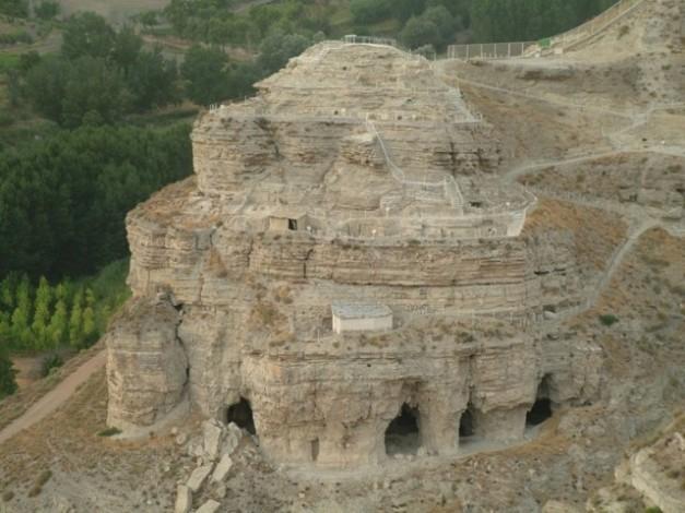 Vista general del yacimiento de Castellón Alto, muy defendible como se puede ver