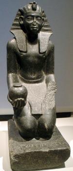 Estatua de un gobernante egipcio del Segundo Periodo Intermedio