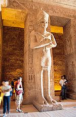 Estatua del faraón Ramsés II, en el interior del templo de Abu Simbel