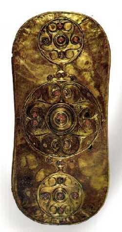 Un escudo de oro muy trabajado, una muestra de la gran riqueza material y profesional de la cultura de la Têne