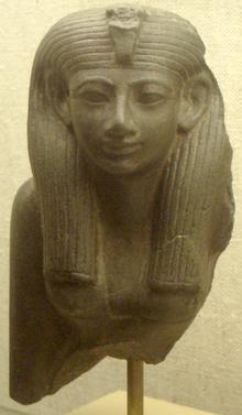 Estatua de Hatshepsut, Gran Esposa Real en la teoría y Reina en la práctica del Egipto de la dinastía XVIII
