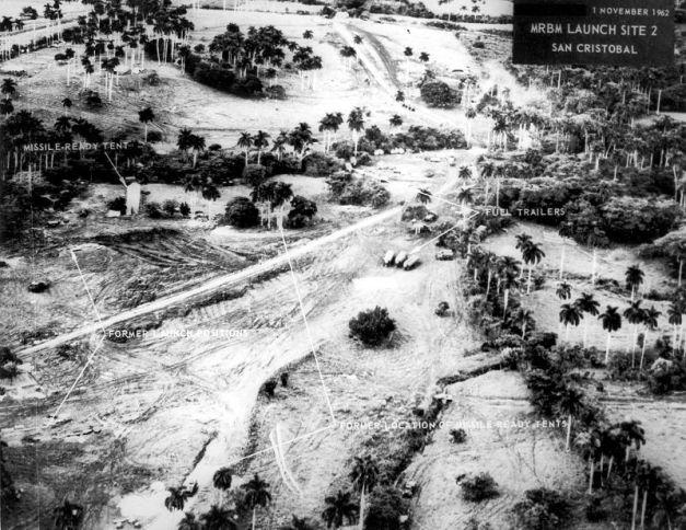 Fotografía histórica en la que se puede ver el lugar cubano de instalación de los misiles soviéticos