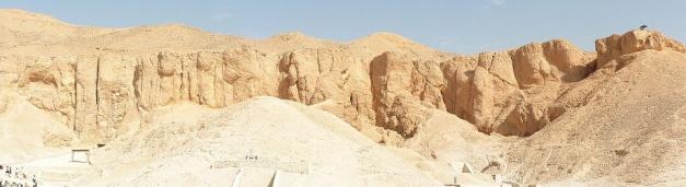 Vista general de parte de la necrópolis egipcia del Valle de los Reyes
