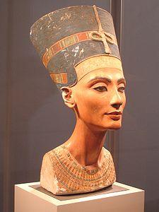 Imagen que muestra el estado actual del archiconocido busto de Nefertiti