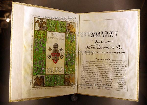 """Imagen de la Bula pontificia """"Humanae Salutis"""", que anuncia la convocación al Concilio Vaticano II"""