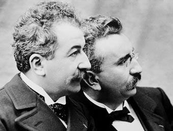 Los hermanos Lumiére, a los que les debemos ese invento maravilloso conocido como el cine