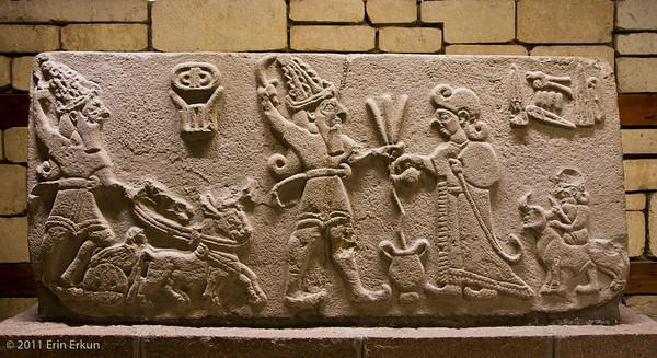 Relieve hitita que representaría al rey Muwatalli, contemporáneo al rey egipcio Seti I