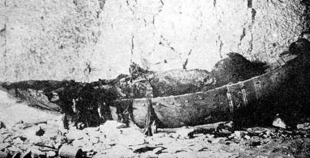Fotografía en el momento del hallazgo de la momia de Sethnakht, el primer rey de la dinastía XIX