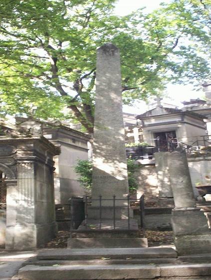 Monumento funerario en Francia en memoria de Champollion
