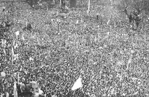 Movilización obrera en la Plaza de Mayo el 17 de octubre de 1945