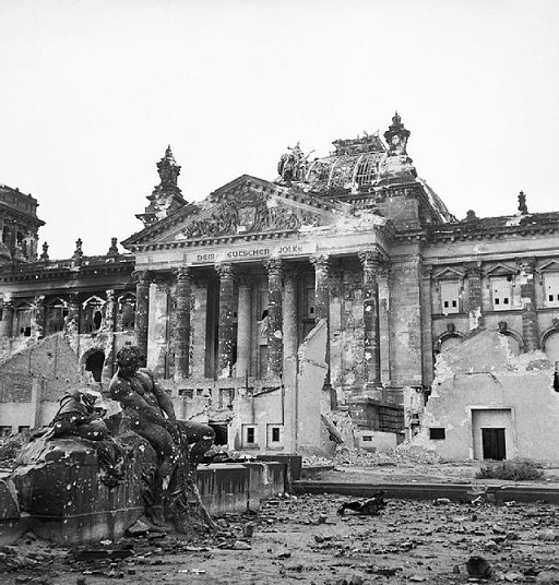 El parlamento alemán al final de la Segunda Guerra Mundial