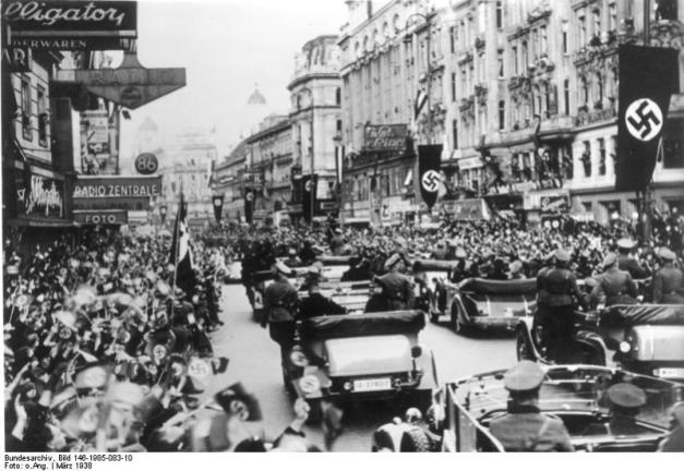Foto histórica que muestra a tropas alemanas entrando en Viena en marzo de 1938