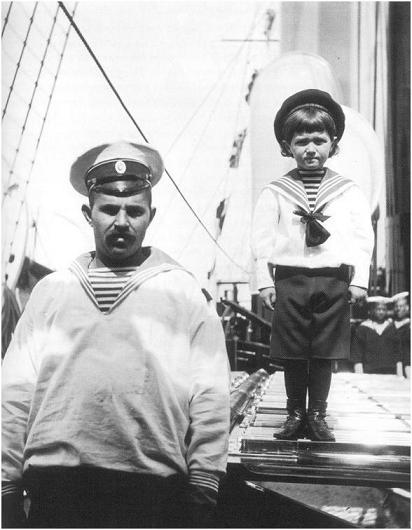 Fotografía que muestra a Alexei con Deverenko