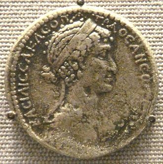 Moneda en la que se representa a Cleopatra VII