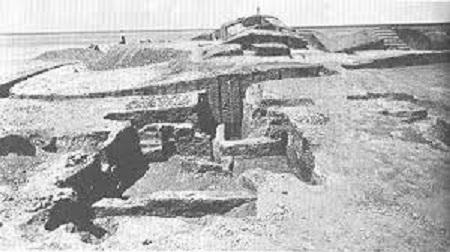 Imagen de los años 80 en la que se ve el yacimiento arqueológico de Tell Uqair