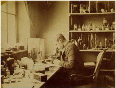 Nansen trabajando en el museo de Historia natural de Bergen