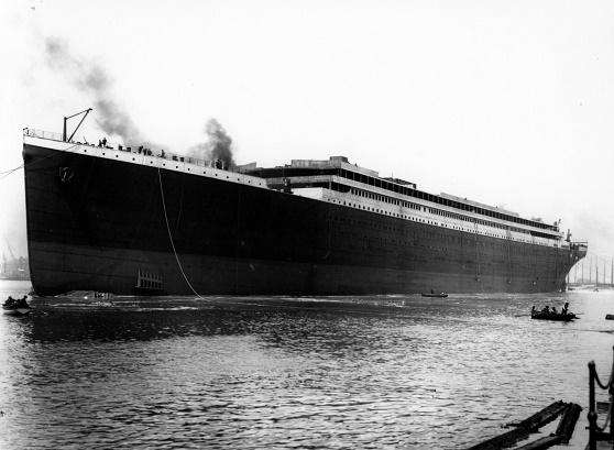 Fotografía histórica del día en que se botó al mar el Titanic en Belfast