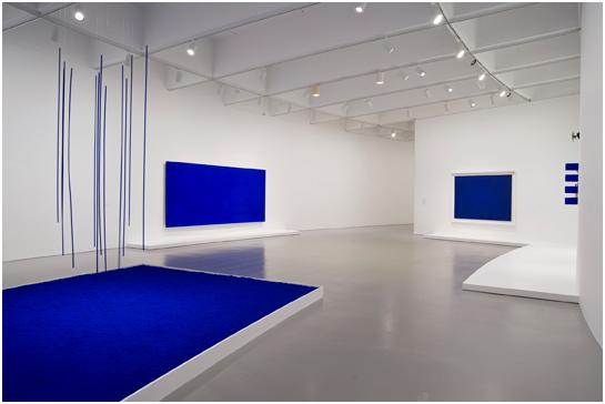 Exposición de cuadros de Ives Klein, ejemplo innovador del color en el arte