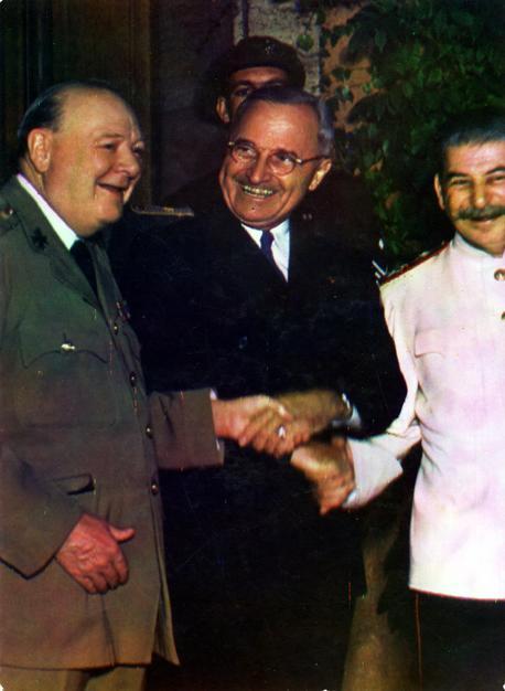 Fotografía histórica de los líderes de la Conferencia de Postdam, en 1945