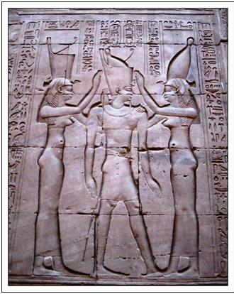 Relieve del templo de Efdú, que nos muestra la coronación del faraón