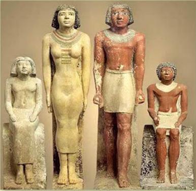Estatuillas de un matrimonio egipcio y sus hijos