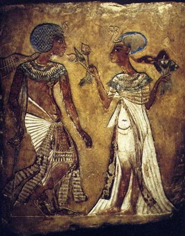 Imagen que aparece en la Estela de los Enamorados, del periodo amárnico egipcio