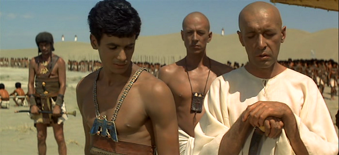 Otro fotograma de la película Faraon