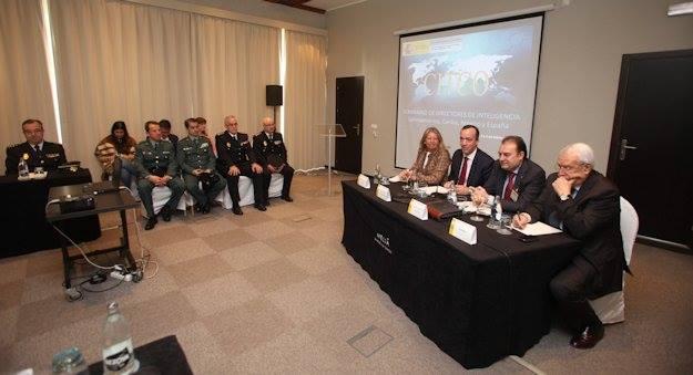 Reunión de analistas de inteligencia militar