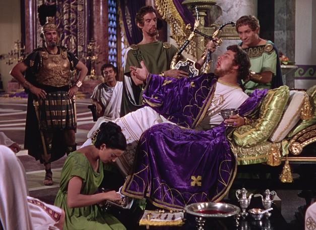 """El actor Peter Ustinov en uno de sus papeles más conocidos, el del emperador Nerón en la película """"Quo Vadis"""""""