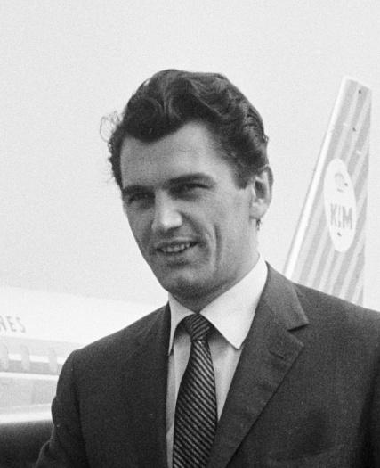 Fotografía de Edmund Purdom en 1962