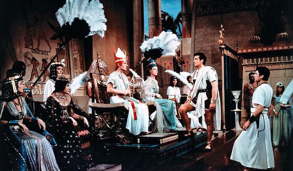 Uno de los fotogramas de la película Sinuhe el egipcio