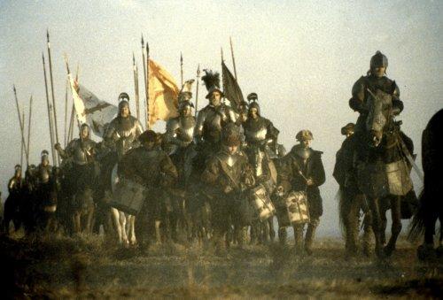 Otro de los fotogramas de la película El oficio de las armas