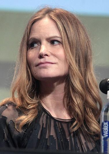 Jennifer Jason Leigh, protagonista