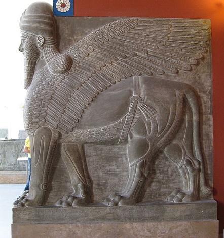 Lamassu hallado originalmente en el palacio de Tukulti-ninurta I