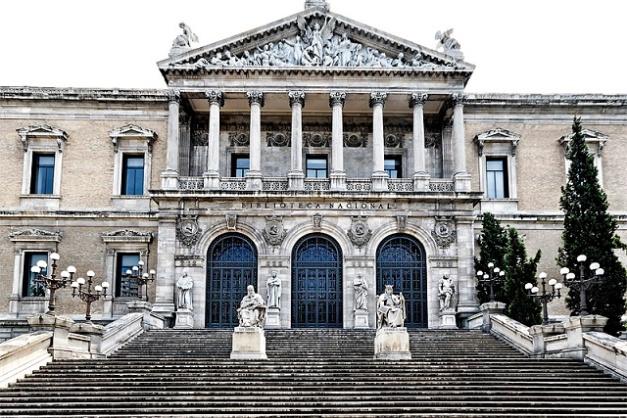 Fachada de la Biblioteca Nacional de España en Madrid