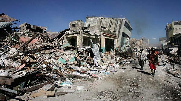 Una de tantas fotografías de la devastación de Haití tras el terremoto