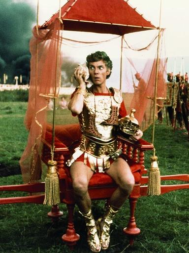 "Malcolm McDowell, protagonista de la película ""Calígula"""