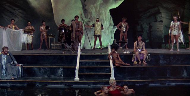 Uno de los fotogramas de la película Calígula