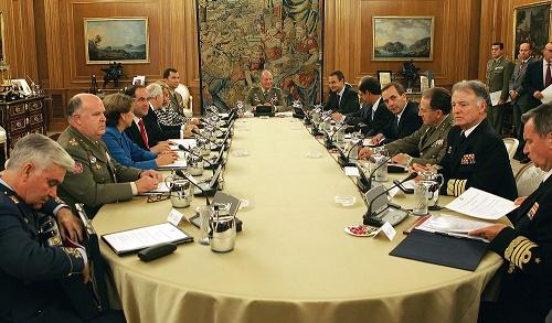 Vista de una de las reuniones de la Junta de Defensa Nacional de España durante el gobierno de Zapatero