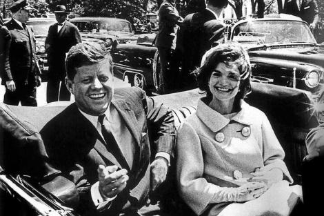 Una de las últimas fotos sacadas con vida al presidente Kennedy