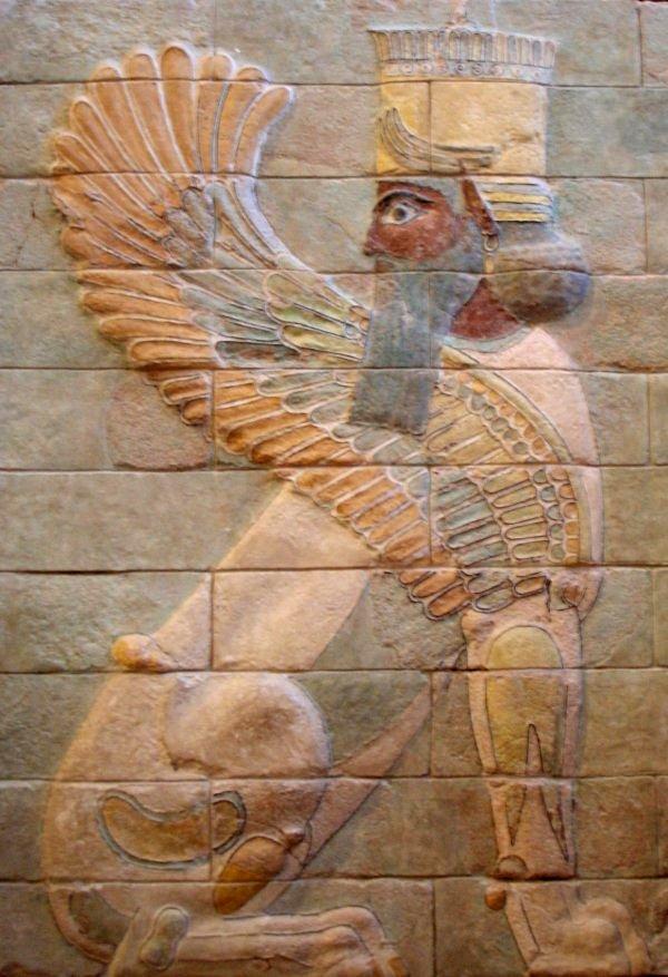 Esfinge alada en el palacio de Darío I en Susa