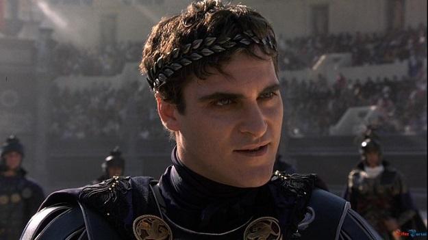 Joaquin Phoenix interpreta al emperador Cómodo