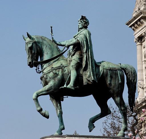 Estatua ecuestre de E. Marcel de Juan Idrac situada en la plaza del Hôtelñ de la Ville de París (4e arrondissement)